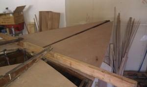 Decksplatten zuschneiden und einpassen