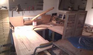 Heimarbeit: Auch die Sitzfläche der Plicht in Oregonpine